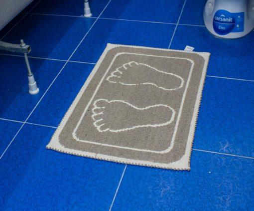 Фото коврика в ванну и туалет коричневый