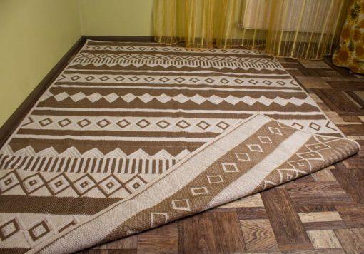 Фото широкий напольный коврик