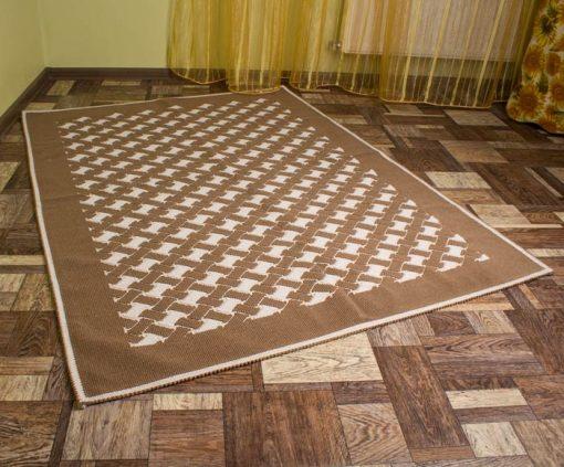 Фото напольного коврика коричневый