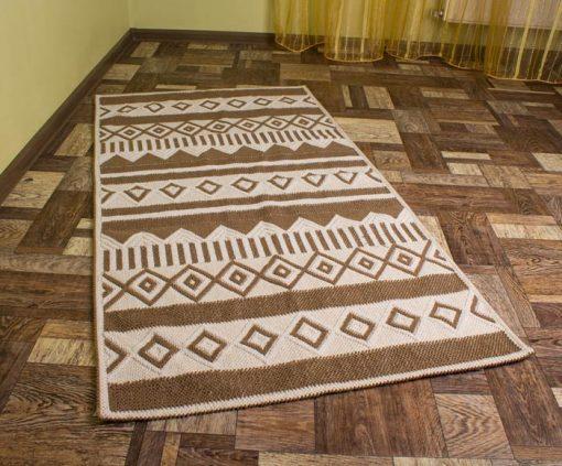 Фото ковровая дорожка коричневая