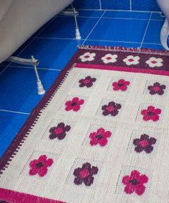 Фото коврик в ванну и туалет розовый с цветами