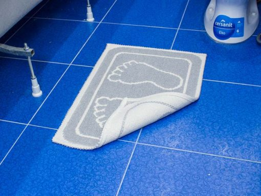 Фото коврика в ванну и туалет отпечаток