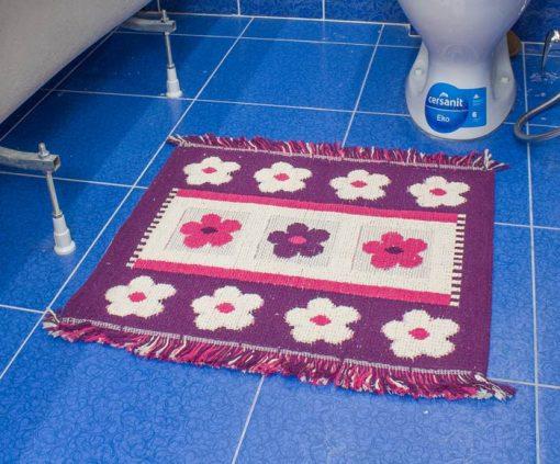 Фото коврик в ванну и туалет розовый с цветами 50*60