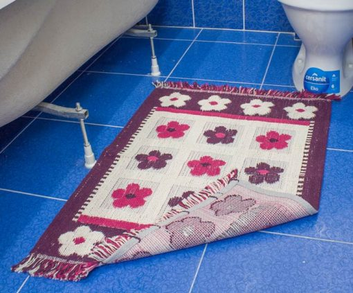 Фото коврик в ванну и туалет розовый с цветами 50*80